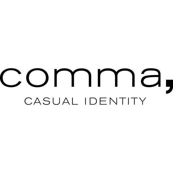 comma casual identity Logo