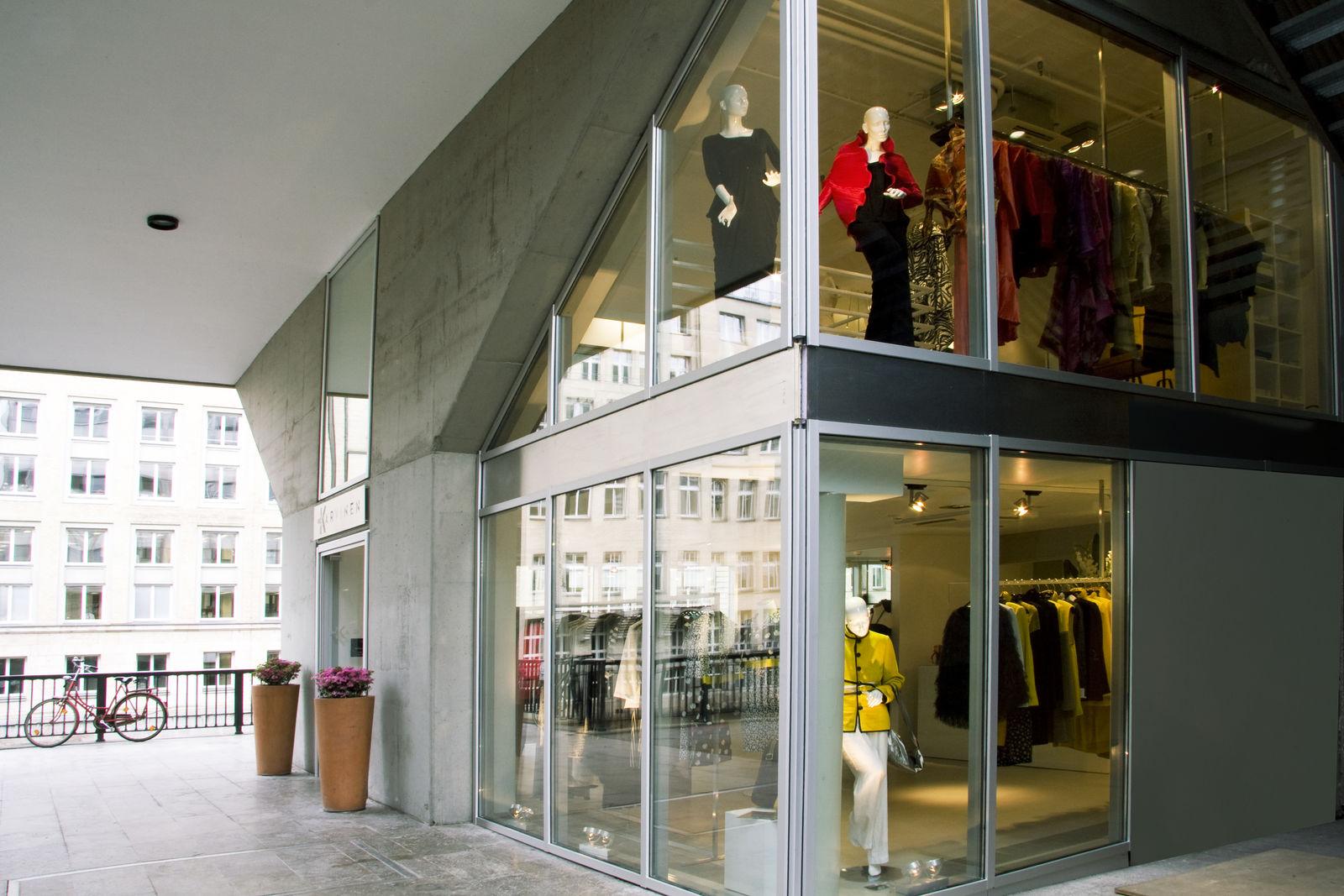 Karvinen womenswear in hamburg neuer wall thelabelfinder for Ligne roset hamburg neuer wall