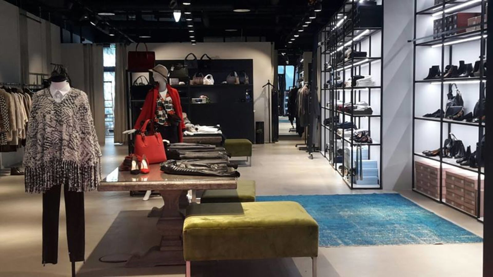 burresi loft damenmode in frankfurt am main neue mainzer stra e thelabelfinder. Black Bedroom Furniture Sets. Home Design Ideas