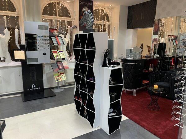 Der Storebereich mit Luxury-Lounge