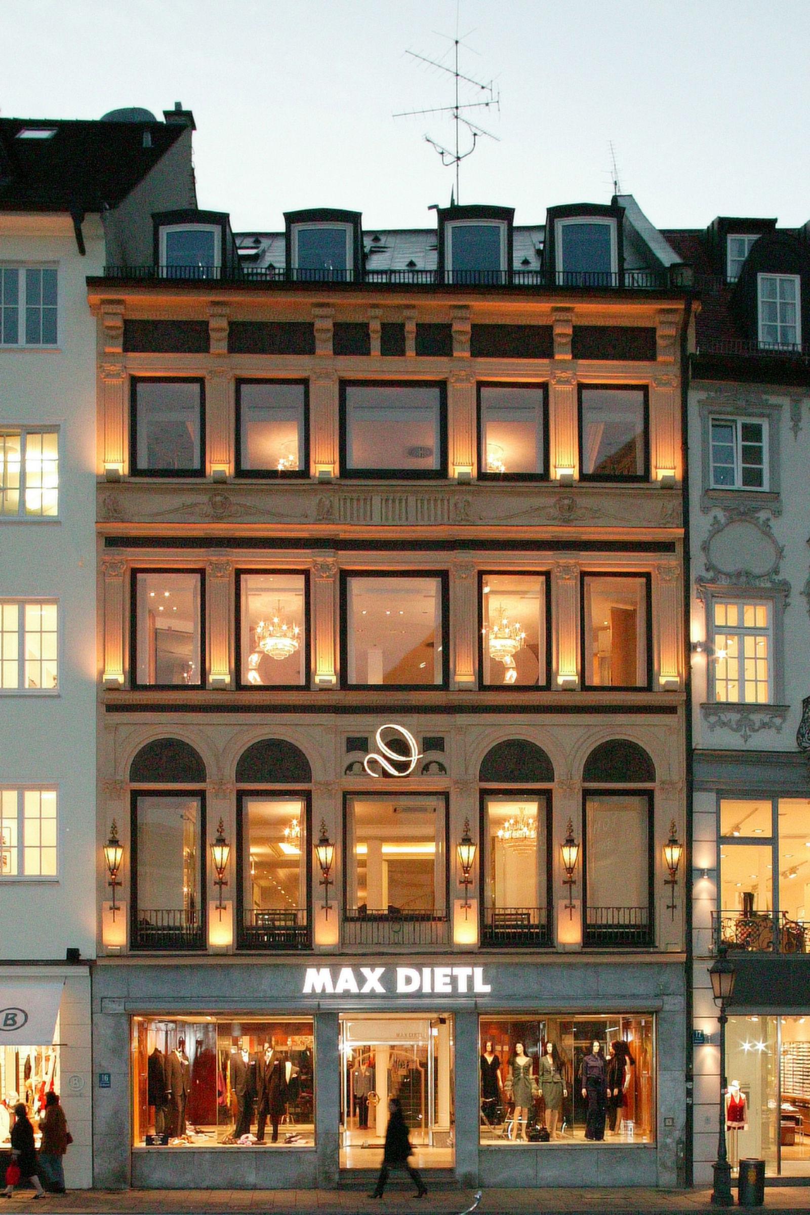Max Dietl Haute Couture in München (Bild 1)