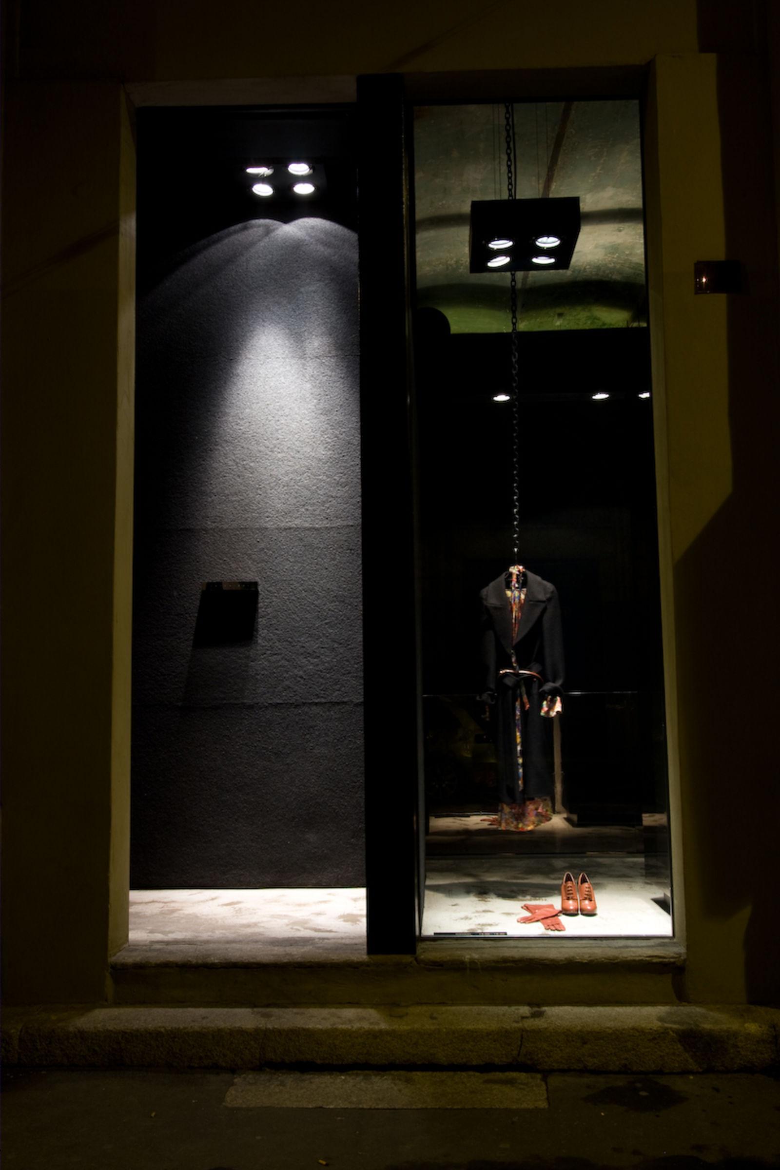ANTONIOLI a Milano (Image 1)