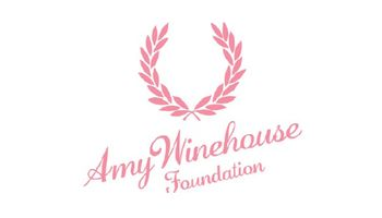 FRED PERRY Authentic | AMY WINEHOUSE Foundation Logo