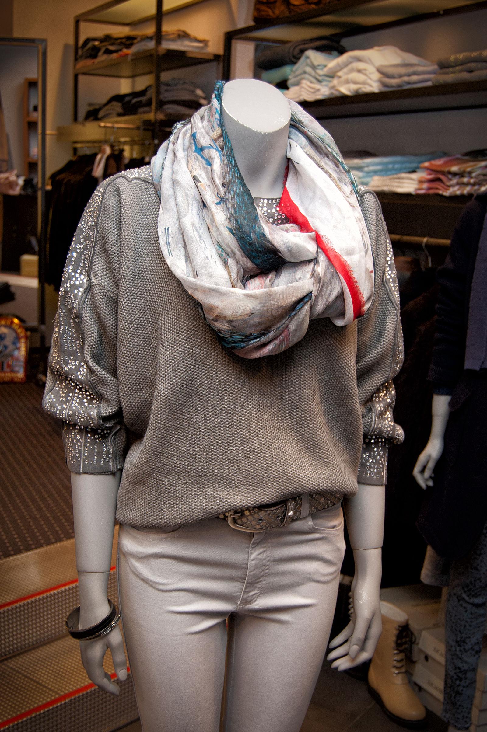 MÖllER Womenswear - Menswear in Kempen (Bild 8)