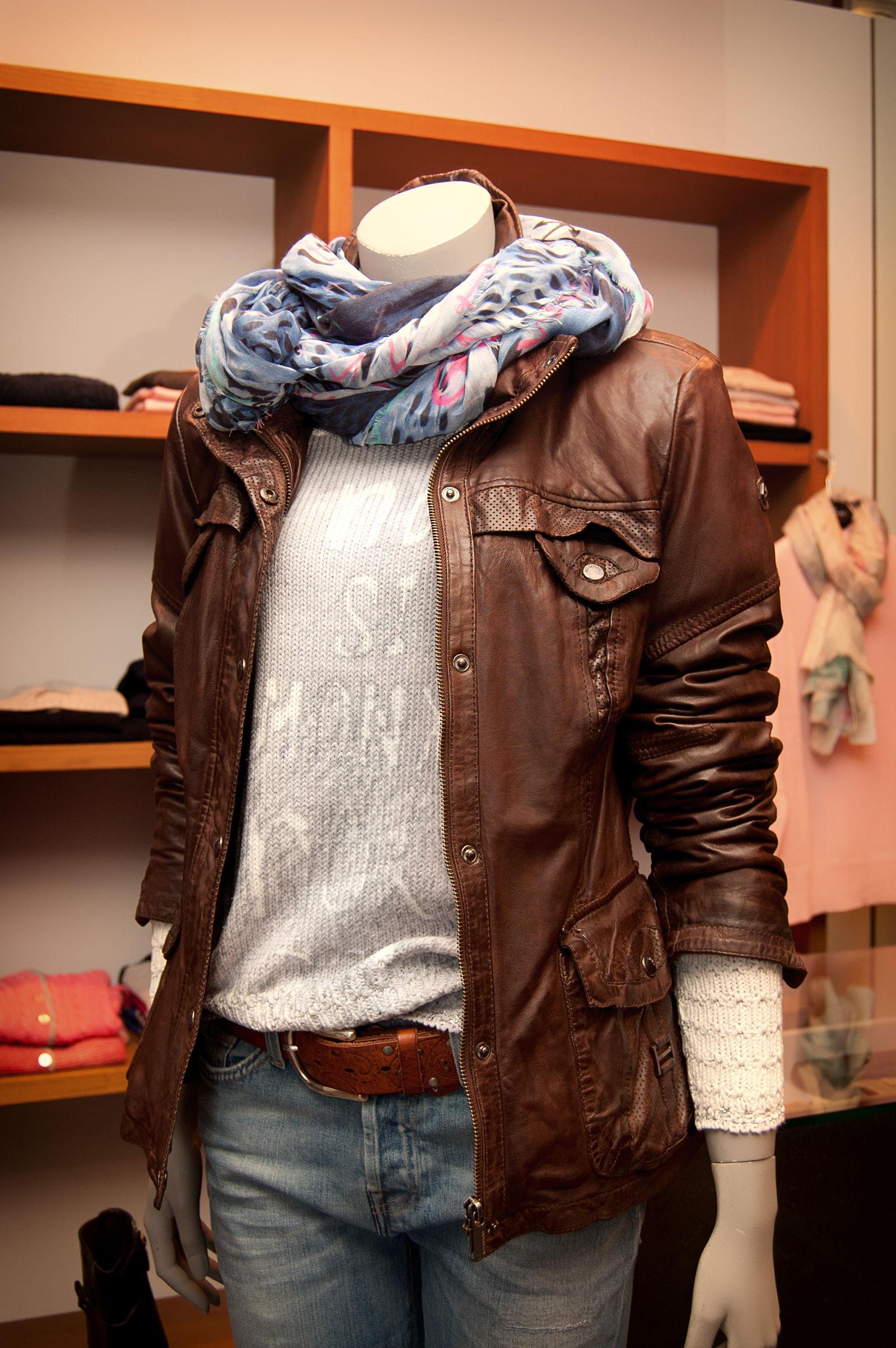 MÖllER Womenswear - Menswear in Kempen (Bild 10)