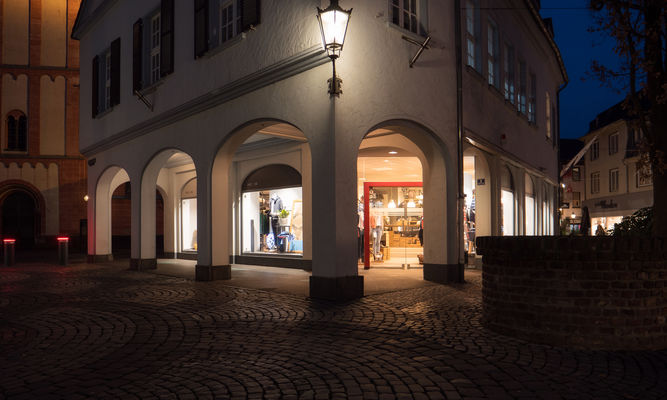 SUITSUPPLY OUTLET, Menswear in Roermond, Stadsweide