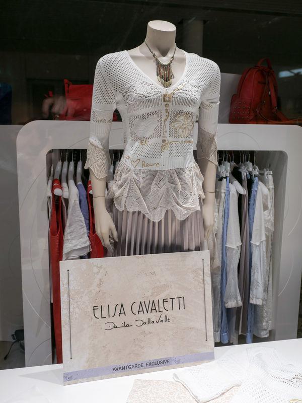 Elsia Cavaletti bei Avant Garde Exclusive