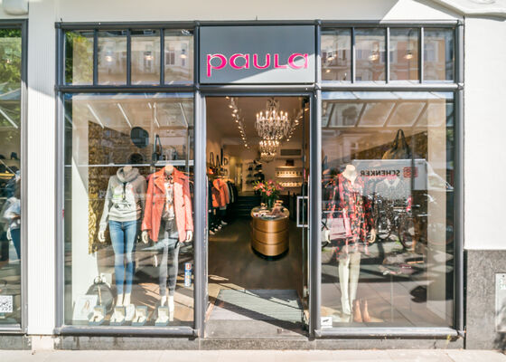 pretty nice b880f 070b8 Shops with PARAJUMPERS in Hamburg | TheLabelFinder