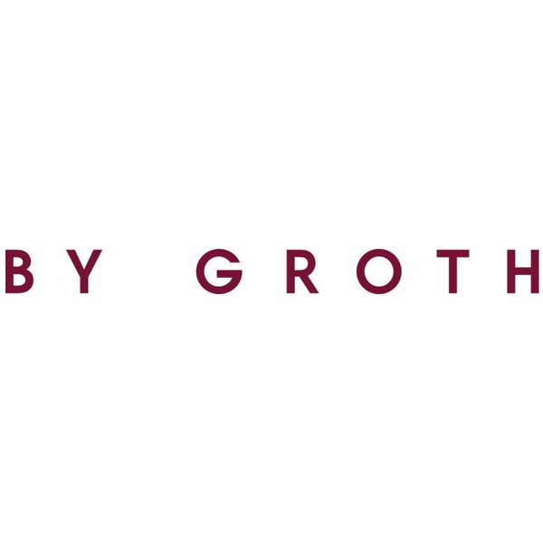 BY GROTH Logo